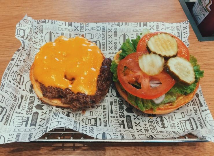 Smashburger Milton Keynes burger