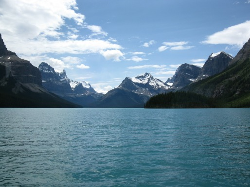 10-things-to-do-in-canada-jasper-lake