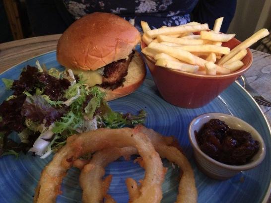 Maytime-Inn-Asthall-boar-burger