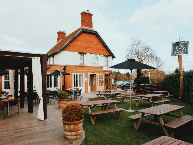 The Swan at Salford pub review Milton Keynes