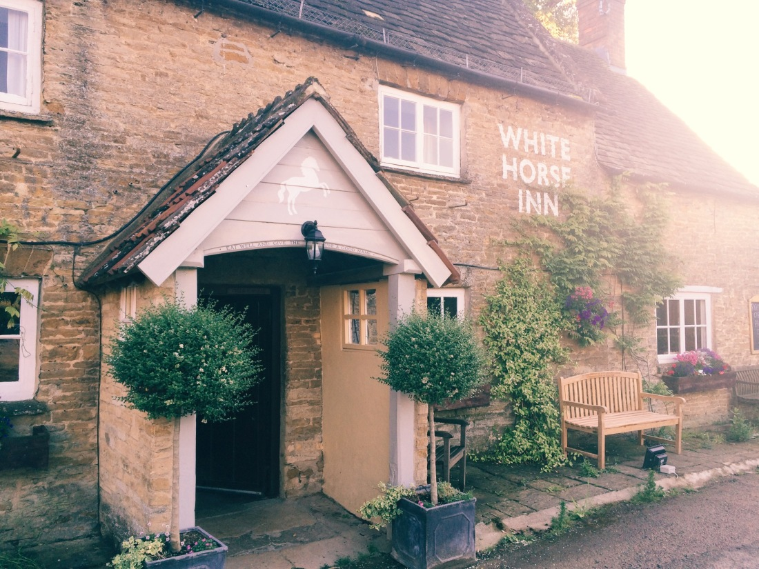 White Horse Inn Duns Tew review