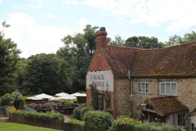 Black Horse pub garden Milton Keynes