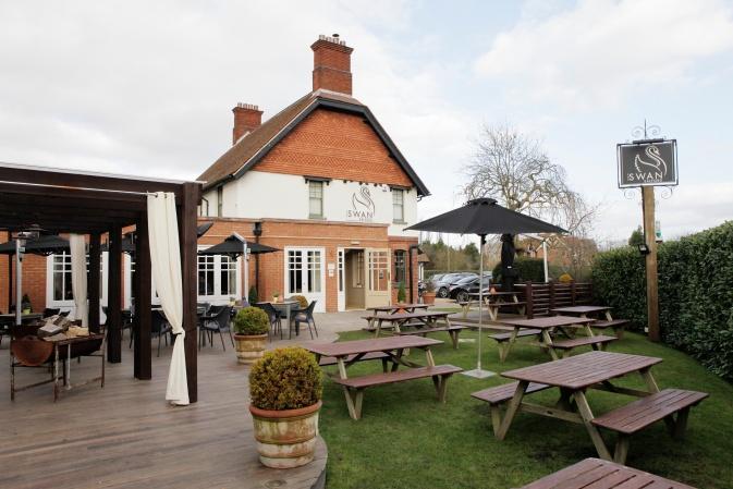 The Swan at Salford Best Milton Keynes pub garden