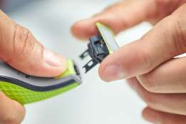 Philips OneBlade Review trimmer shaver
