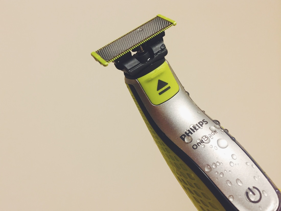 Philips OneBlade shaver is fully waterproof