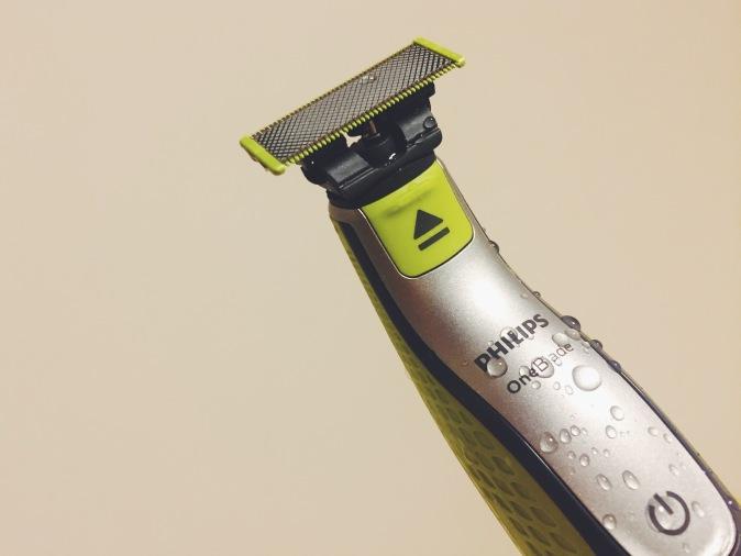 Philips OneBlade shaver is fully waterproof