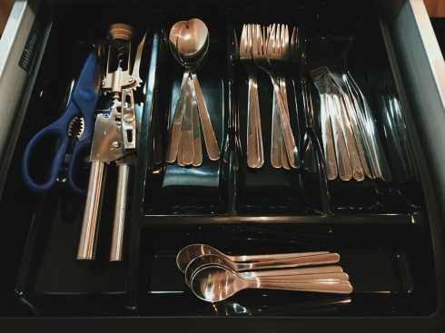 City Stay Milton Keynes apartment cutlery
