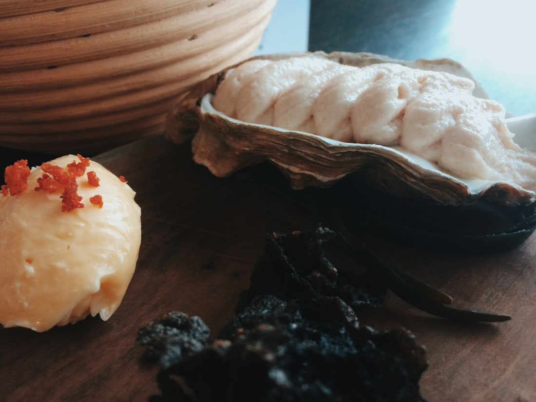 Rocksalt seaweed, butter and taramasalata