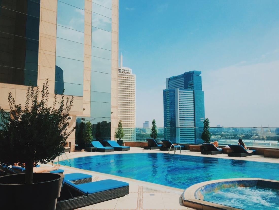 The Fairmont Dubai swimming pool