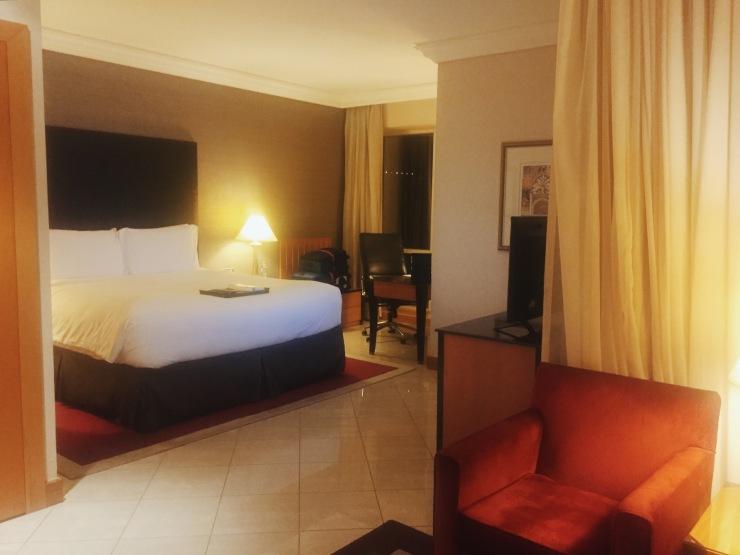 Fairmont Dubai King Gold Room