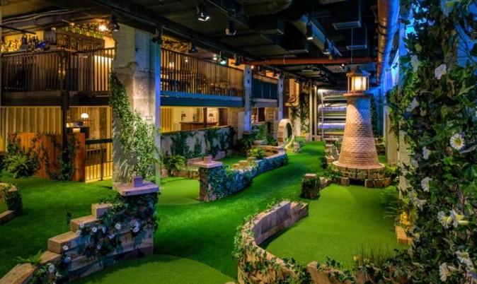 Swingers London crazy mini golf review