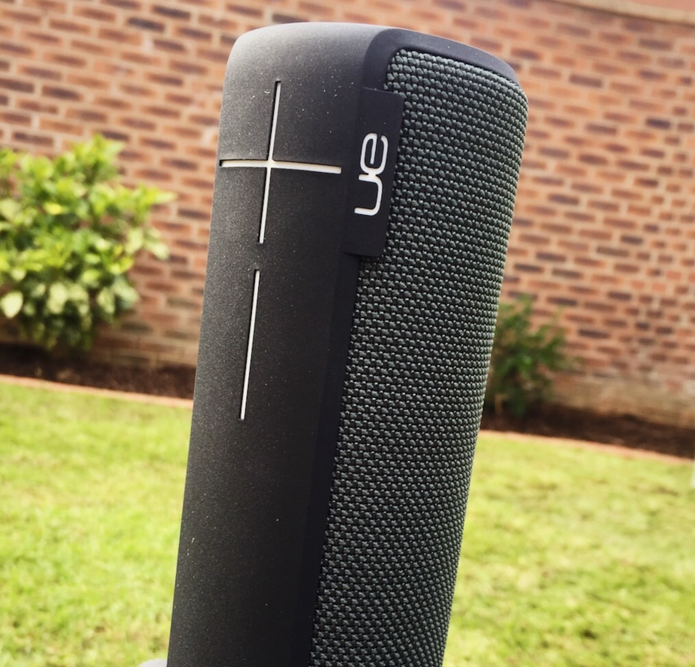 Ue boom 2 bluetooth waterproof speaker review is it for Interieur ue boom 2