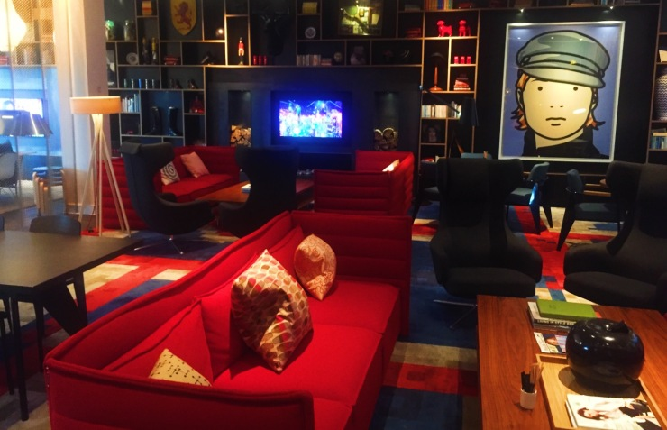 London hotel CitizenM sofas