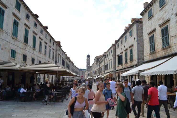 twomenabouttown-eutour-croatia-dubrovnik-street