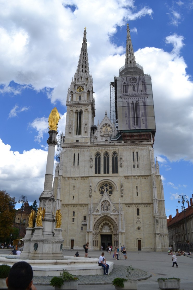 twomenabouttown-eutour-croatia-zagreb-cathedral