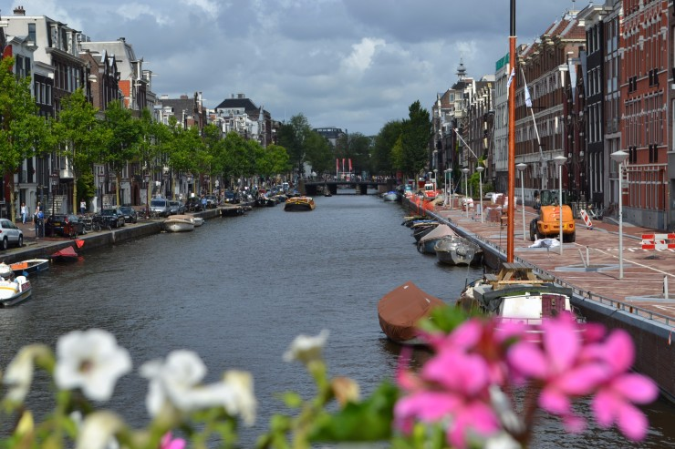 TwoMenAboutTown-netherlands-amsterdam-canal2