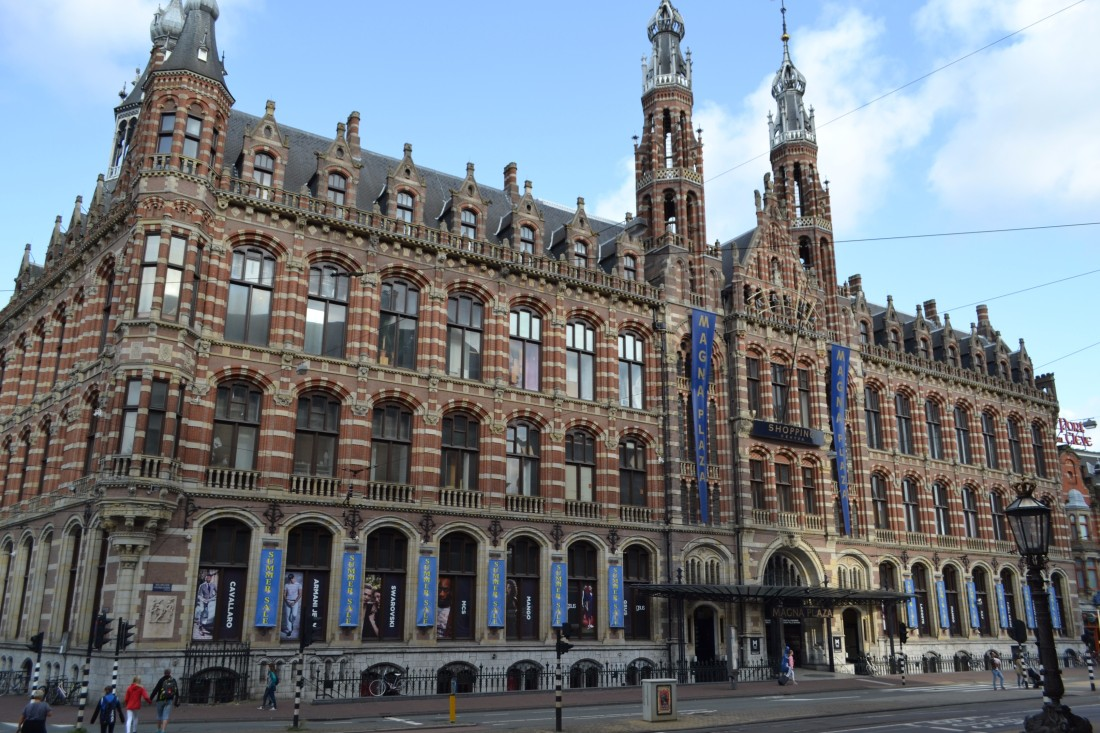 TwoMenAboutTown-netherlands-amsterdam-magna-plaza