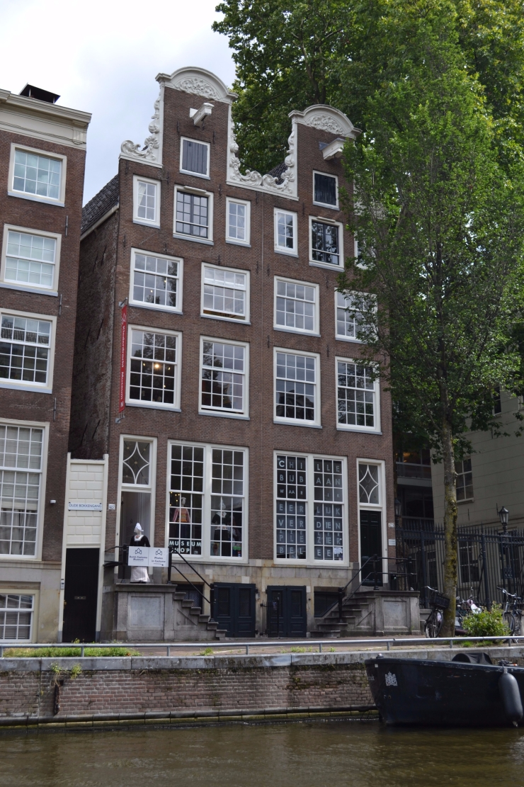 TwoMenAboutTown-netherlands-amsterdam-twins