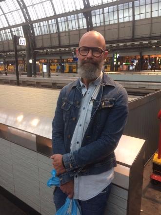 TwoMenAboutTown-netherlands-amsterdam-viktor