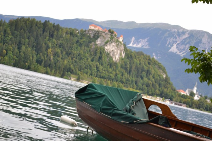 Twomenabouttown-Slovenia