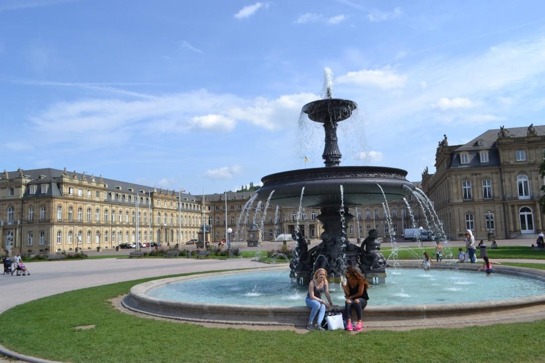 TWOMENEUTOUR-BREXIT-EU-GERMANY-STUTTGART-fountain-schlossgarten