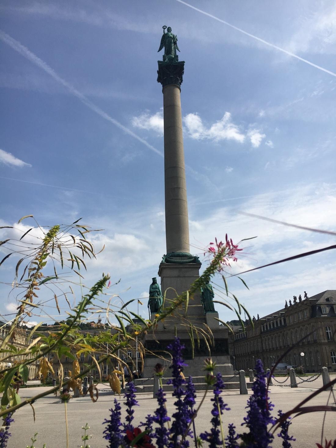 TWOMENEUTOUR-BREXIT-EU-GERMANY-STUTTGART-tall-statue