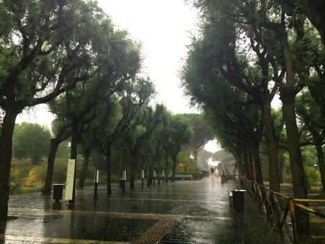 Italy-pompeii-rain