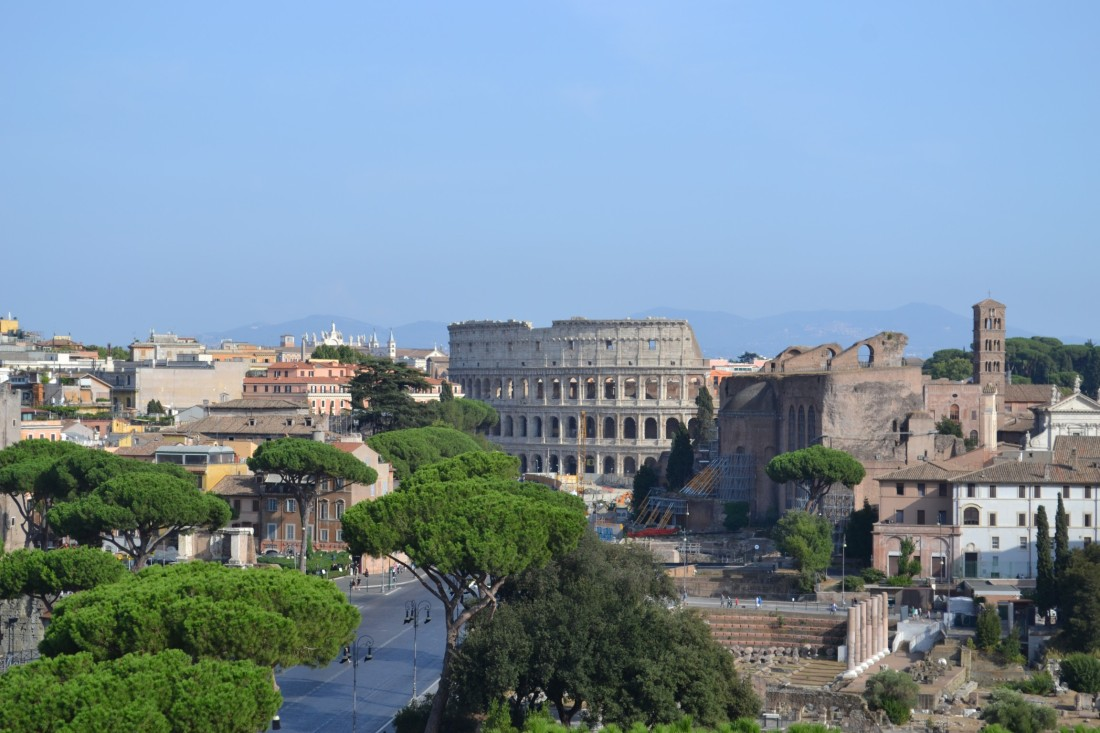 Italy-rome-colosseum-view