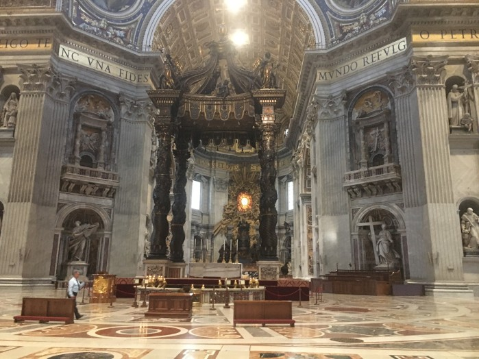 Italy-vatican-city-alter