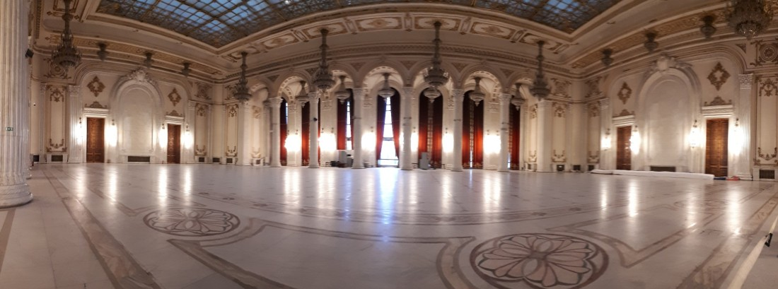 Romania_parlement_ballroom