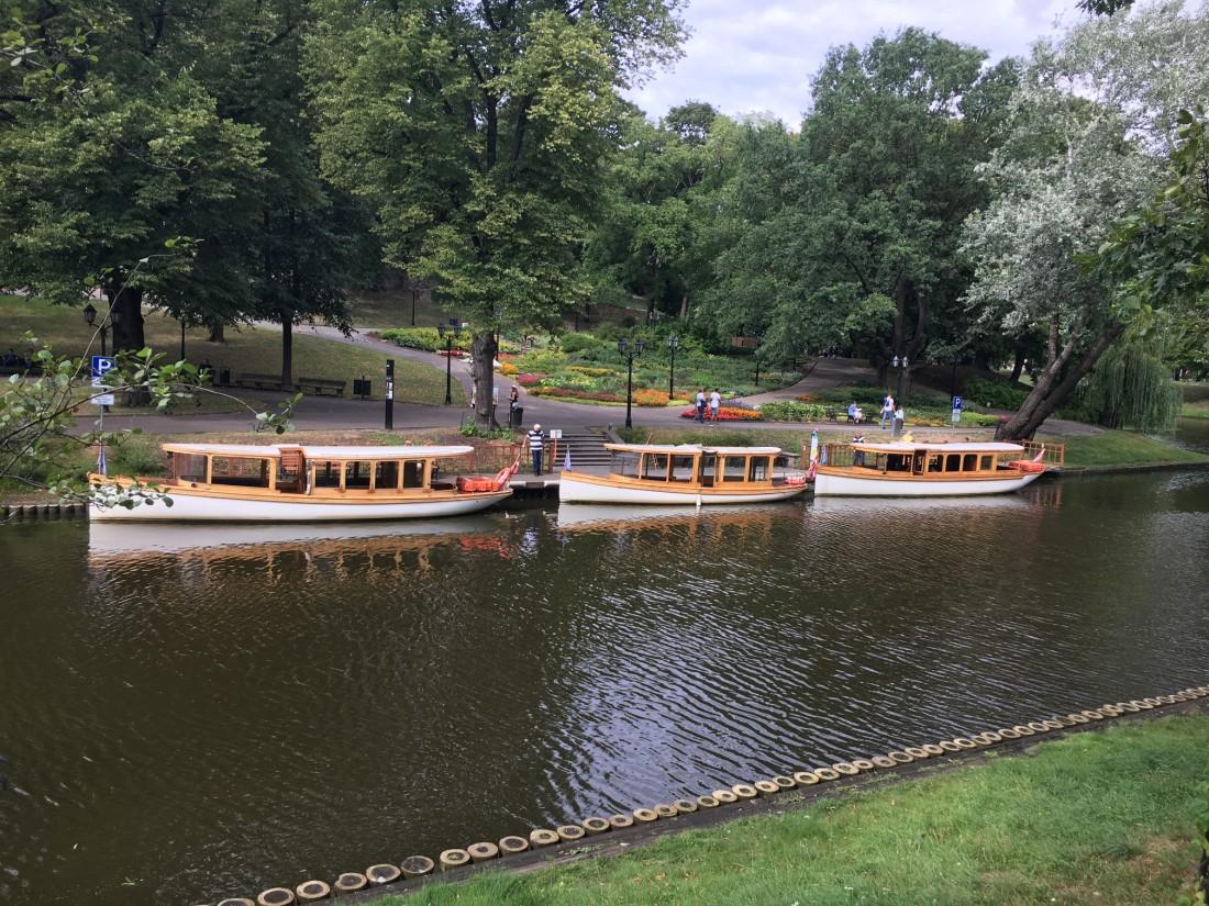 Latvia_riga_canal