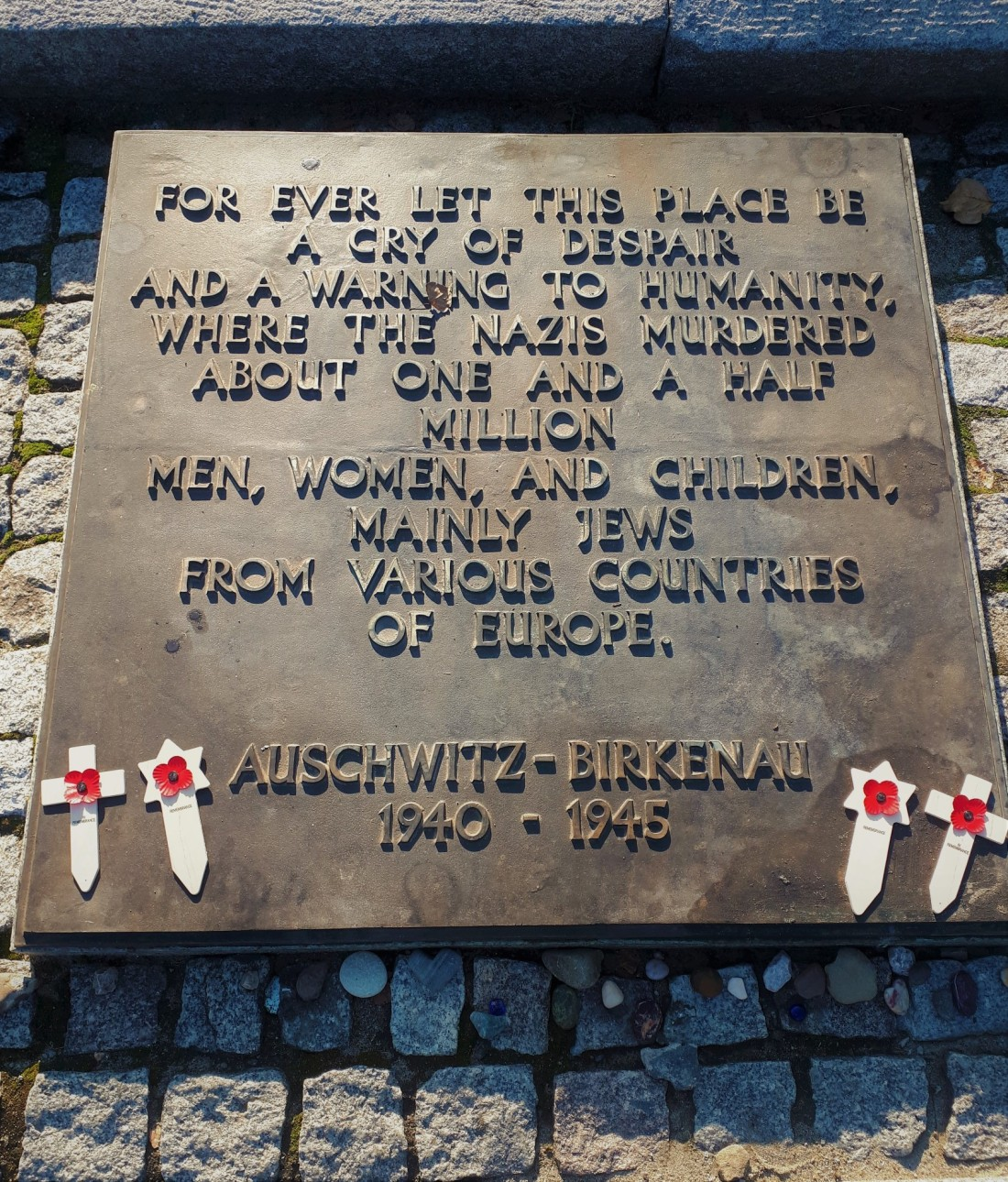 Poland_aushwitz_plaque