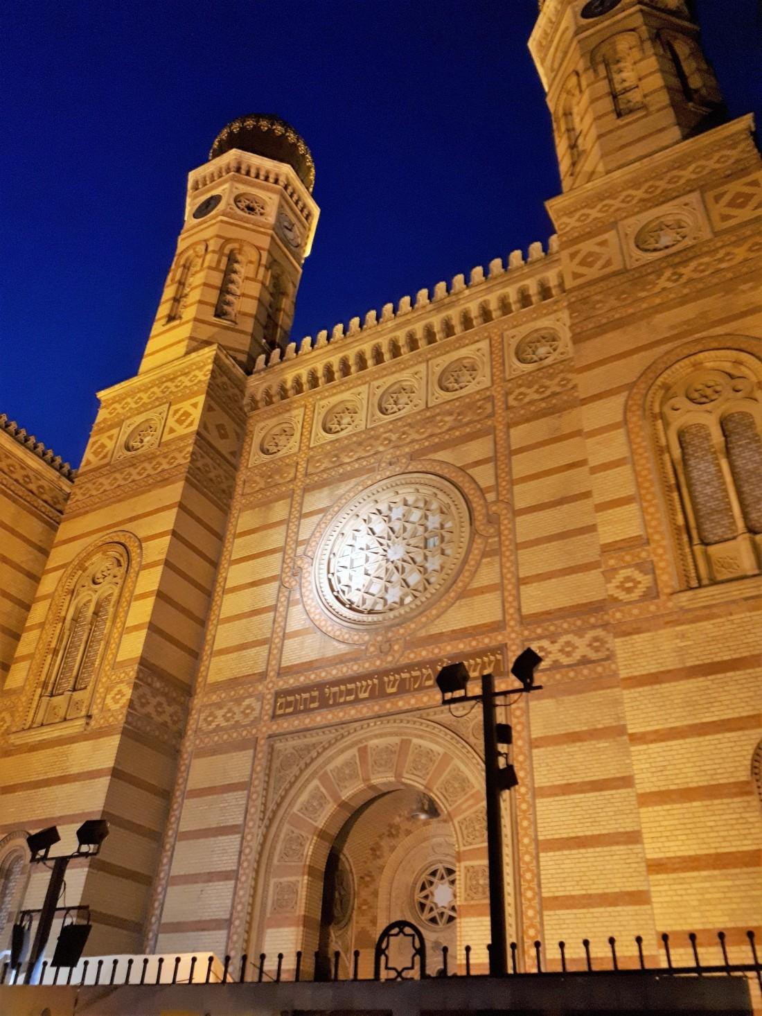 Hungary_budapest_jewish_synagogue