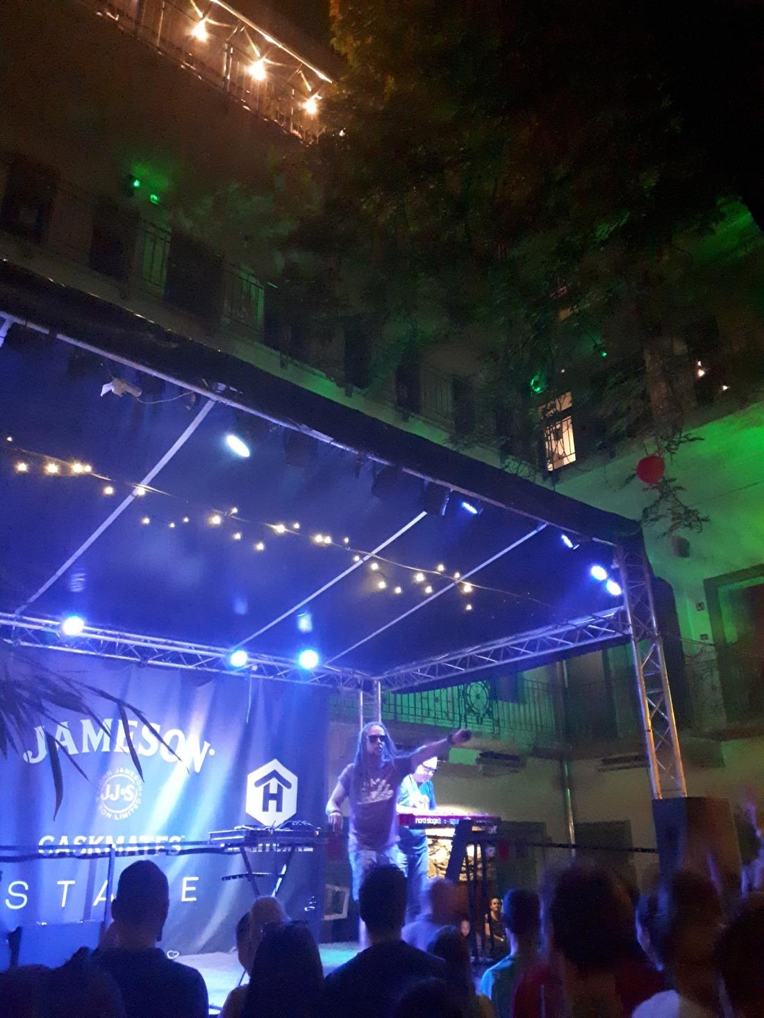 Hungary_budapest_ruin_bar